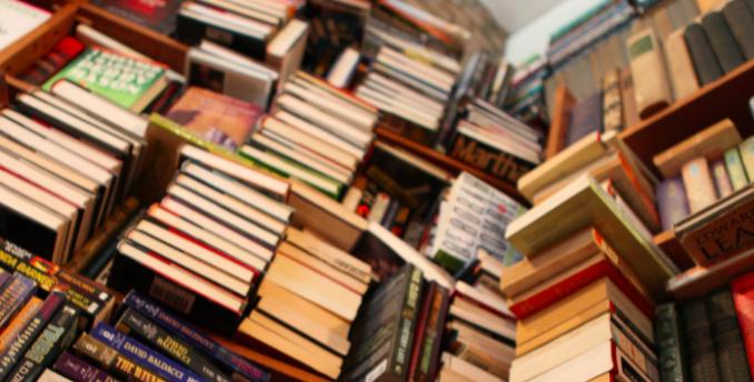 livres, bibliothèque, pile à lire, lecture
