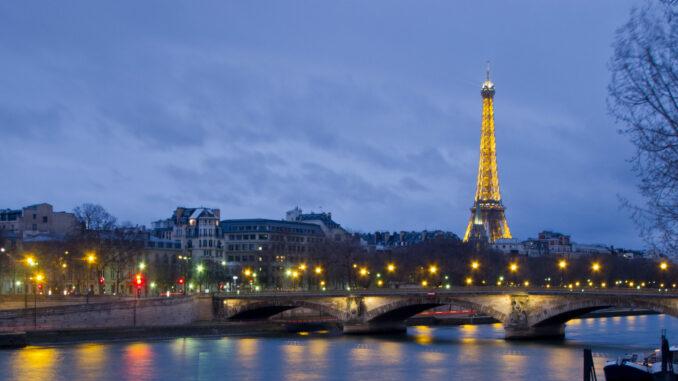 Paris est tout petit, Maïté Bernard, Syros